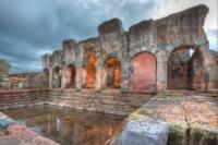 Portico e Piscina delle antiche terme romane di Fordongianus